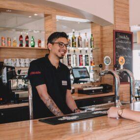 emploi barman saisonnier logé